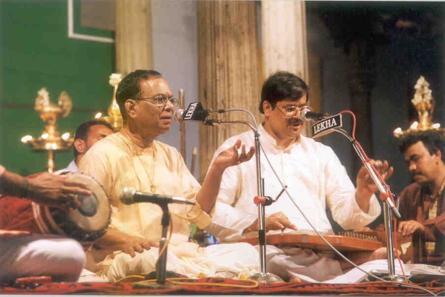 http://www.carnatica.net/nvr/kuthira2.jpg